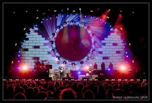 The_Australian_Pink_Floyd_Show_by_grablesky