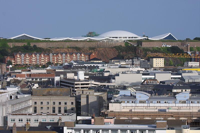 800px-fort_regent_view