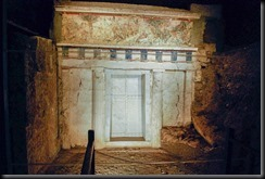 Facade_of_Philip_II_tomb_Vergina_Greece